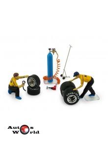 Accesorii:Set schimb roti, 2 mecanici figurine + Accesorii, 1:43 Brumm