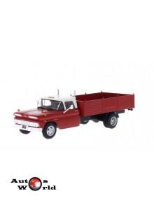Macheta auto Chevrolet C30 Truck rosu/alb 1961, 1:43 Whitebox
