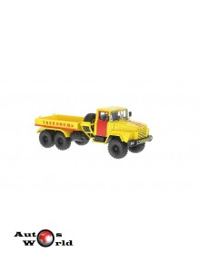 Macheta camion KrAZ 260V B.T. galben/rosu, 1:43 Special Co