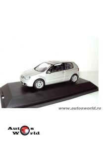 Macheta auto Volkswagen golf 5 3-usi gri 2003, 1:43 Schuco