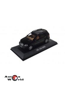 Macheta auto Mercedes Benz ML500 W164 2005 negru, 1:43 Ixo