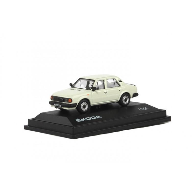 Macheta auto Skoda 120L 1984 alb 1:72, 1:72 Abrex