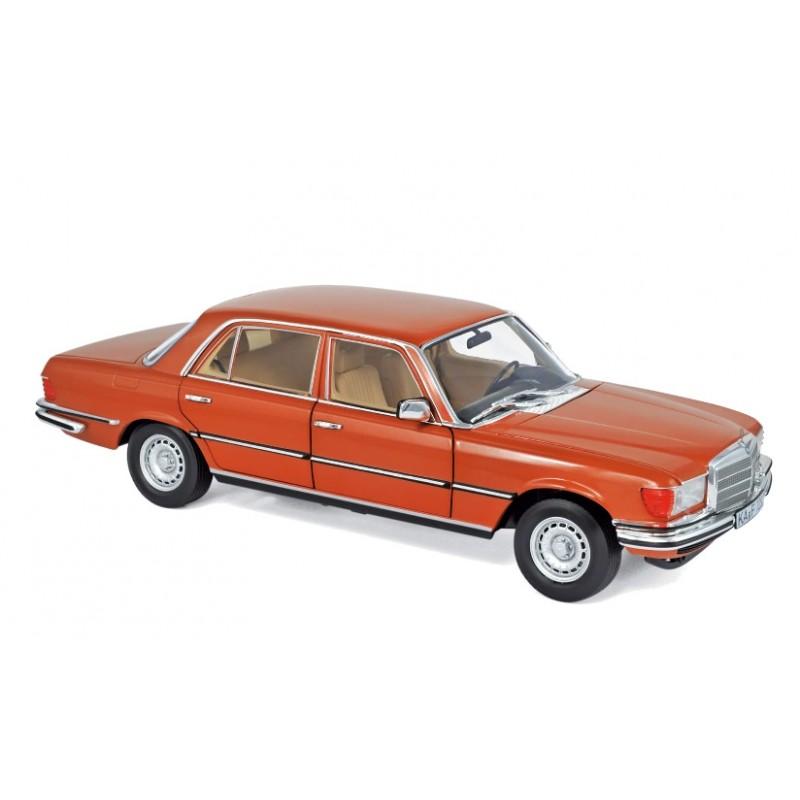 Macheta auto Mercedes-Benz 450 SEL 6.9 1976 portocaliu, 1:18 Norev