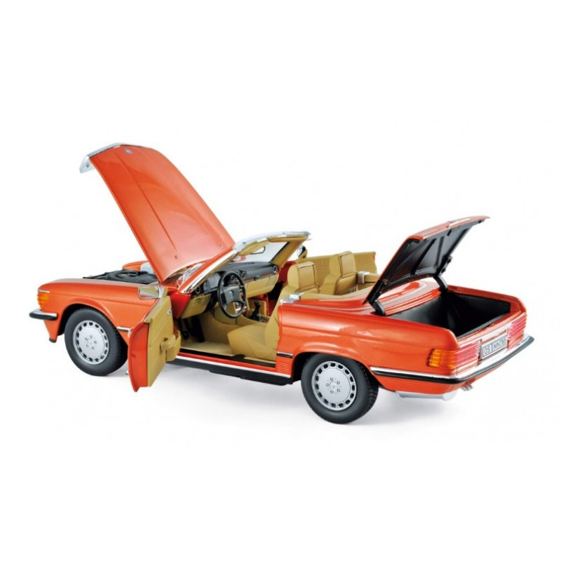 Macheta auto MERCEDES-Benz 300 SL portocaliu (1986), 1:18 Norev