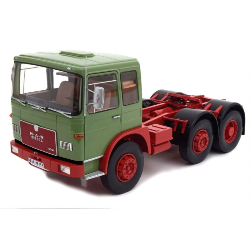 Macheta Camion MAN F7 16.304 verde 1968, 1:18 Road Kings