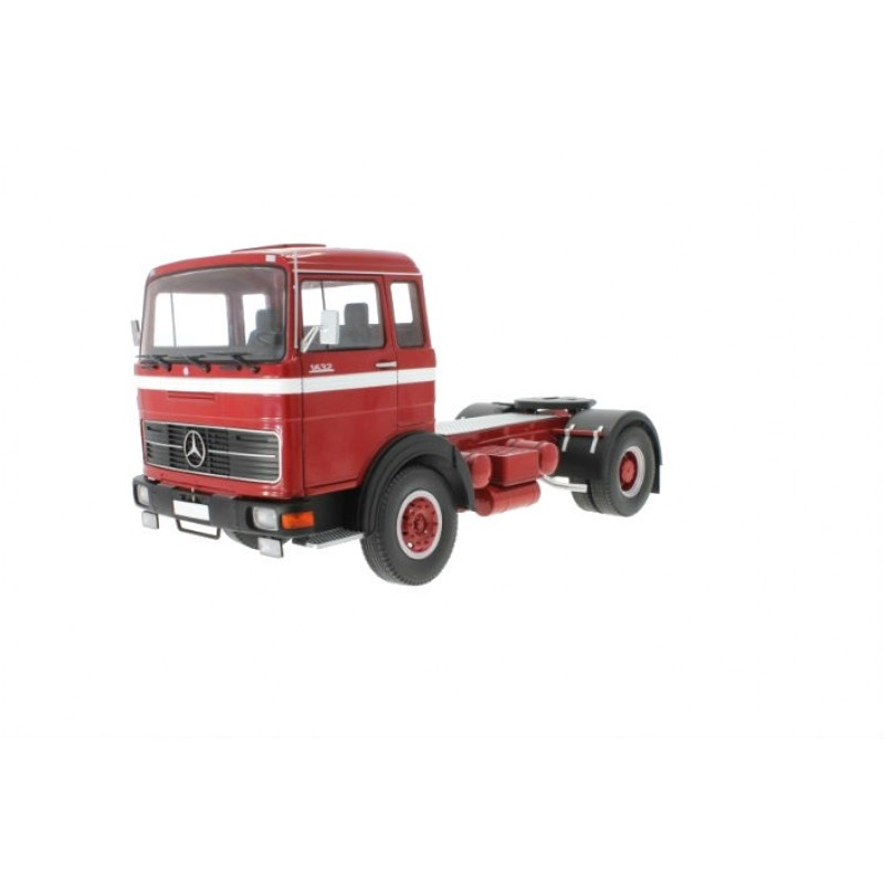 Macheta Camion Mercedes LPS 1632 rosu 1969, 1:18 Road Kings