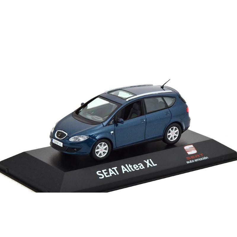 Macheta auto Seat Altea XL albastru 2009, 1:43 Fischer – dealer model