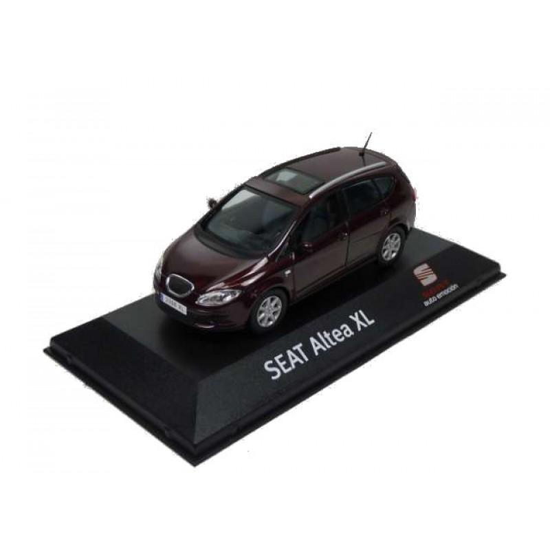 Macheta auto Seat Altea XL maro 2009, 1:43 Fischer – dealer model
