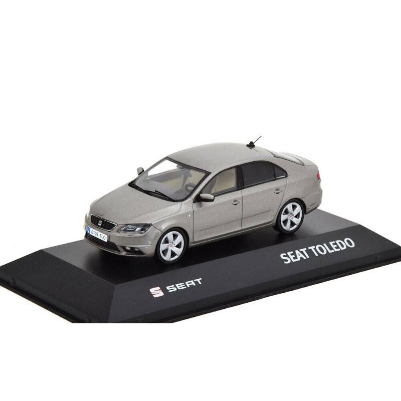 Macheta auto Seat Toledo IV gri 2012-2019, 1:43 Fischer – dealer model