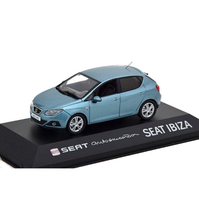 Macheta auto Seat Ibiza IV albastru deschis 2012, 1:43 Fischer – dealer model