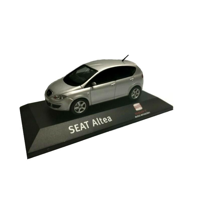 Macheta auto Seat Altea gri 2005, 1:43 Fischer – dealer model