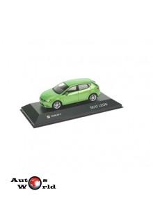 Macheta auto Seat Leon verde, 2013, 1:43 Fischer
