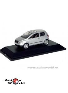 Volkswagen Fox gri 2005, 1:43 Schuco