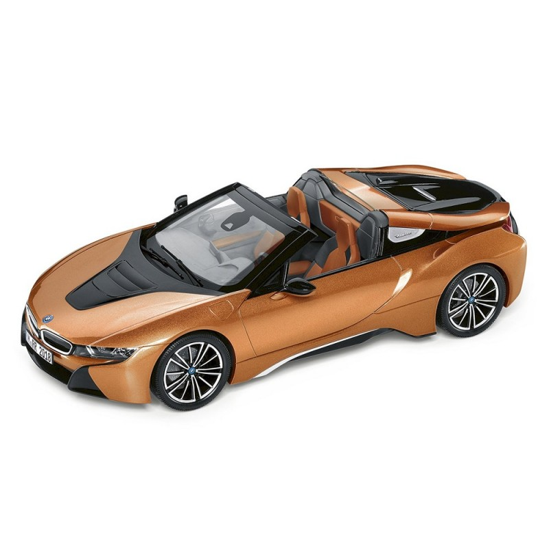 Macheta auto BMW i8 Roadster 2018 auriu, 1:18 Minichamps Dealer Edition