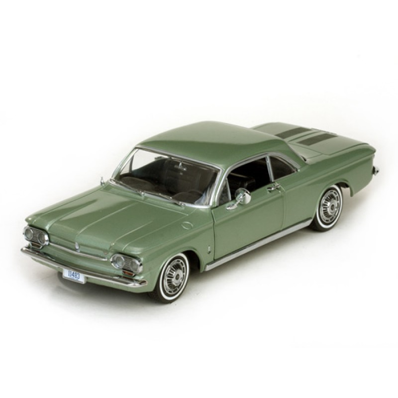 DEFECTA: Macheta auto Chevrolet Corvair Coupe 1963, 1:18 Sunstar