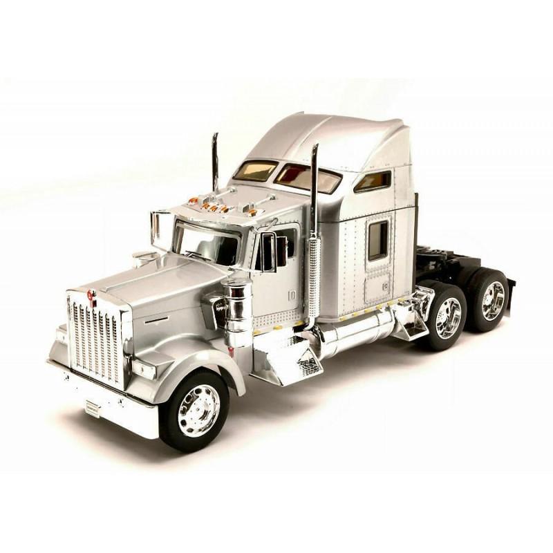 Macheta camion Kenworth W900 argintiu, 1:32 Welly