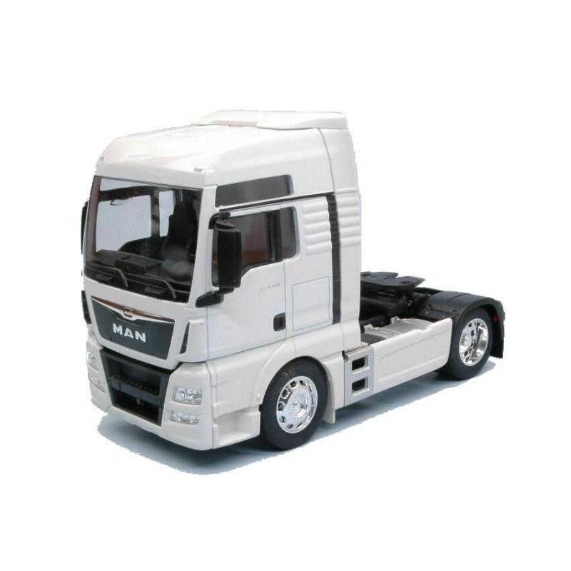 Macheta camion Volvo FH (6x4) alb, 1:32 Welly