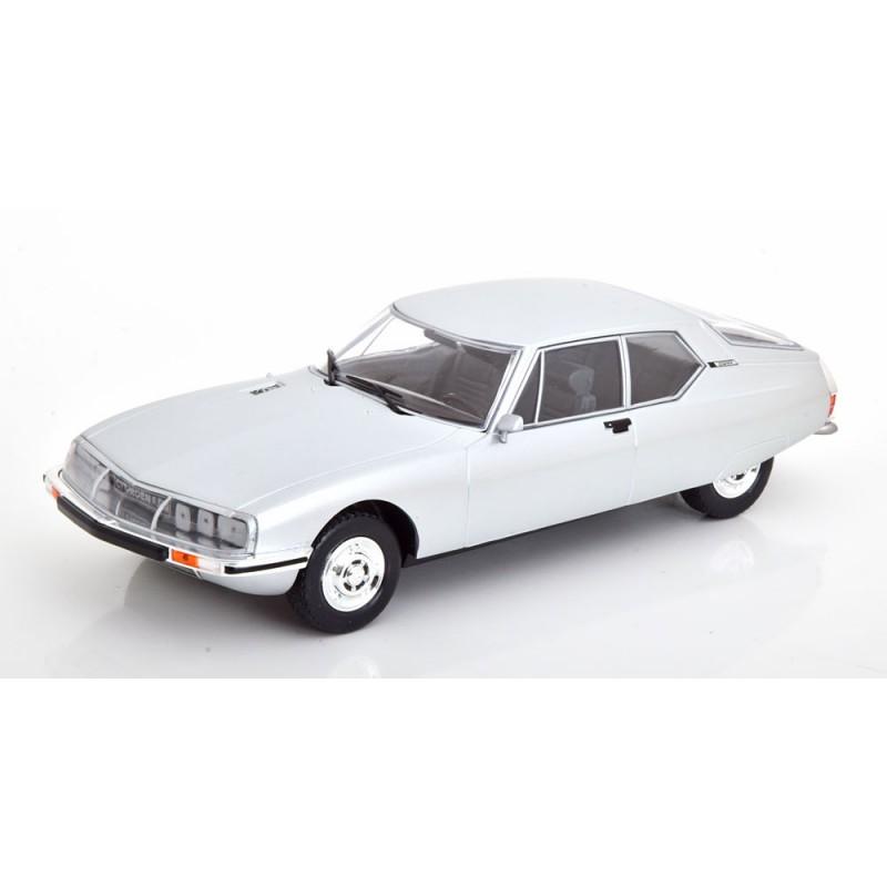 Macheta auto Citroen SM argintiu, 1:24 Whitebox