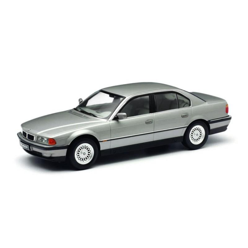 BMW 740i (E38) (1994) 1:18 gri