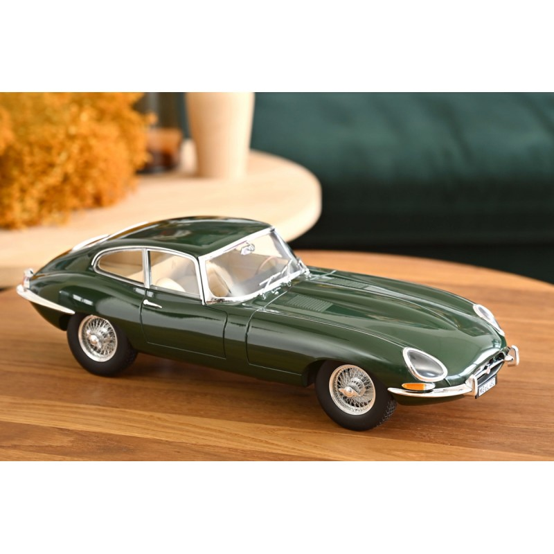 JAGUAR E-Type Coupe 4.2L (1964) 1:12 verde