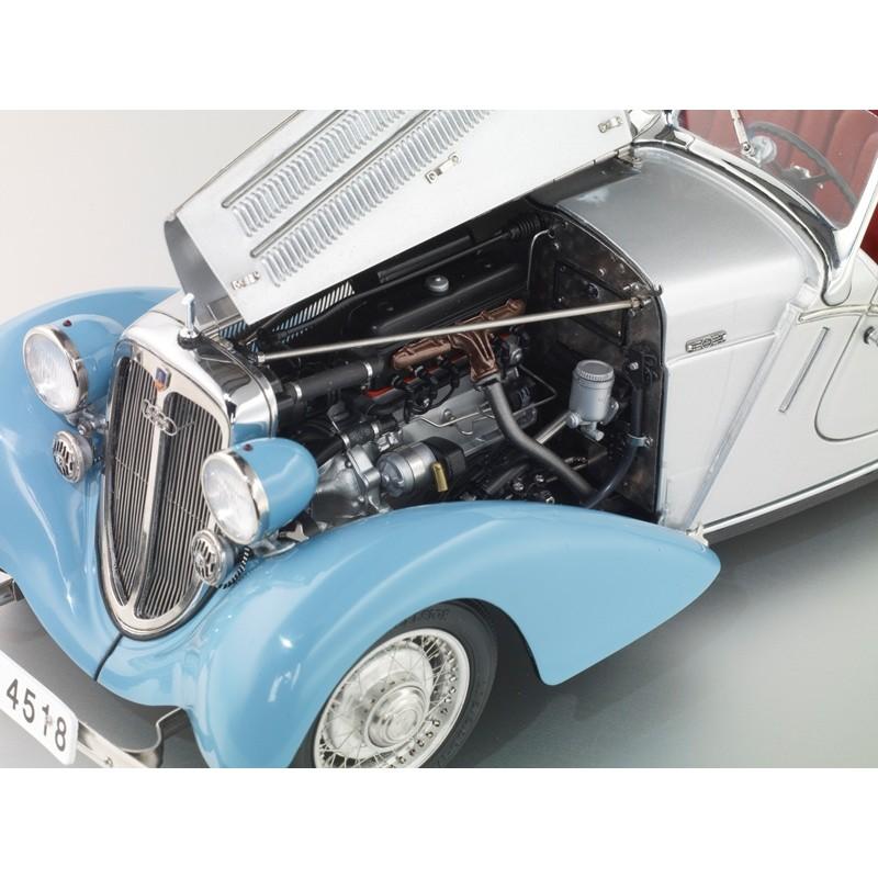 CMC: 1:18 Audi 225 Front Roadster, blue/silver 1935 Ed Limitata